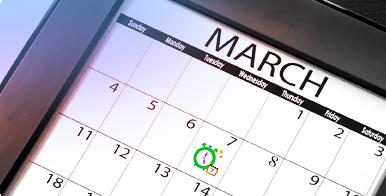 Foto di un calendario con una data cerchiata in verde. Informazioni sul Calendario Mestruale o.b.®.